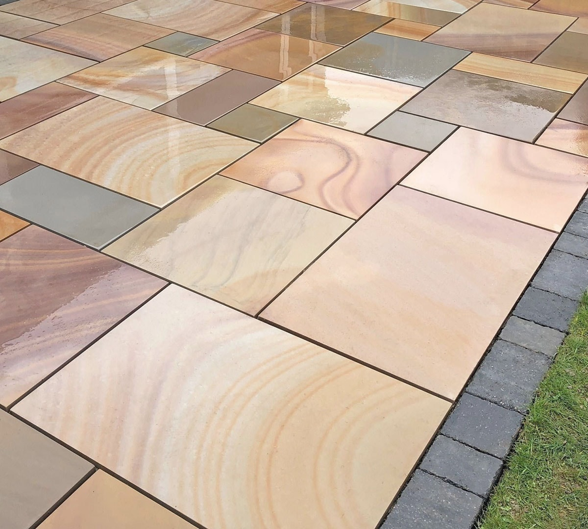 Rippon Buff Sawn Sandstone Patio Kit